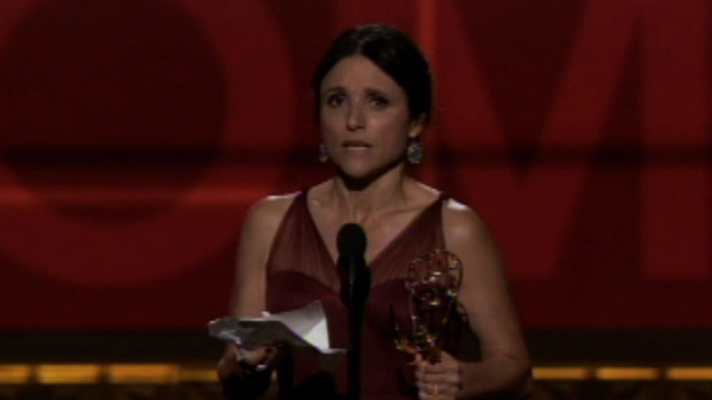 Julia louis dreyfus and amy poehler switch acceptance for Where did julia louis dreyfus go to college
