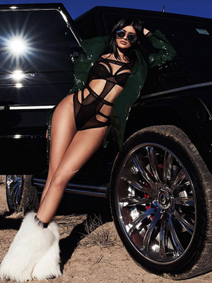 Kylie Jenner Goes Super Sexy In New Desert-Themed Photo Shoot