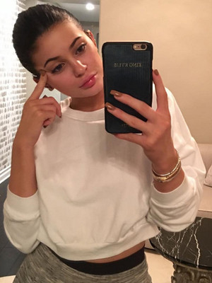Kylie Jenner Goes Makeup Free After Glamming Up for Caitlyn Jenner's Birthday!