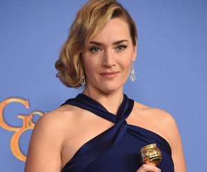 "Kate Winslet Reunites With ""Titanic"" Costar Leonardo DiCaprio After Her Golden Globes Win"