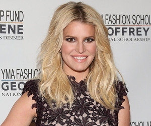 Jessica Simpson Looks Picture Perfect -- But Selena Gomez Misses the Mark!