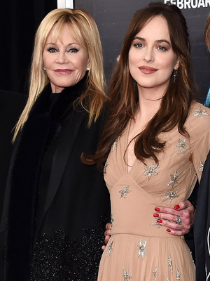 """Dakota Johnson Makes It a Family Affair at the """"How to Be Single"""" Premiere -- Check Out Her Hot Brother!"""