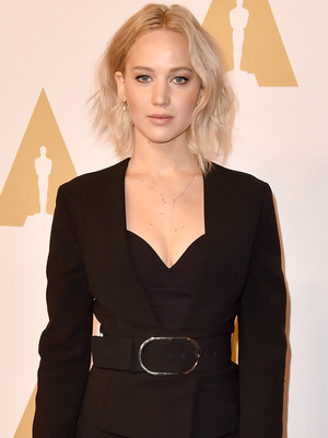 Jennifer Lawrence Stuns in Black at 2016 Oscar Nomination Luncheon