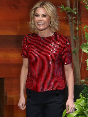 Julie Bowen Says Sofia Vergara Had an Ambulance Station with an IV Drip at Her Wedding!