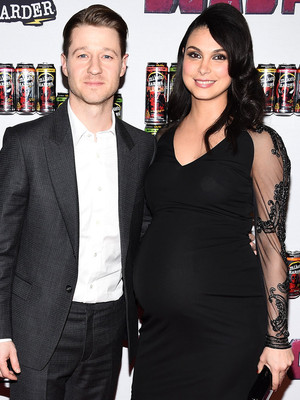 Morena's Bump, Nicole and Keith, & More -- See All of Today's Hot Hollywood Photos!