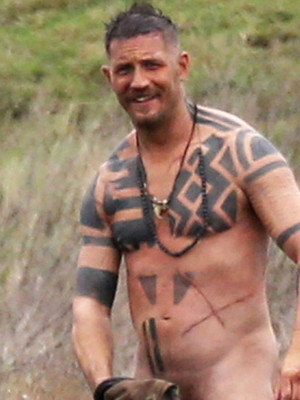 Tatted-Up Tom Hardy Gets Totally Naked on Set -- See the NSFW Photo!