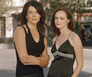 "Which of Rory's Ex-Boyfriends Have Signed on to the ""Gilmore Girls"" Reboot?"