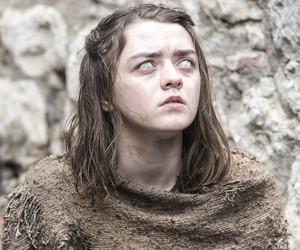 """See Arya, Dany & Bran (Standing!) In Season 6 Sneak Peek Pics from """"Game of Thrones"""""""