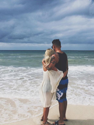 Aubrey O'Day Shows Major PDA With Pauly D In New Romantic Vacation Pics
