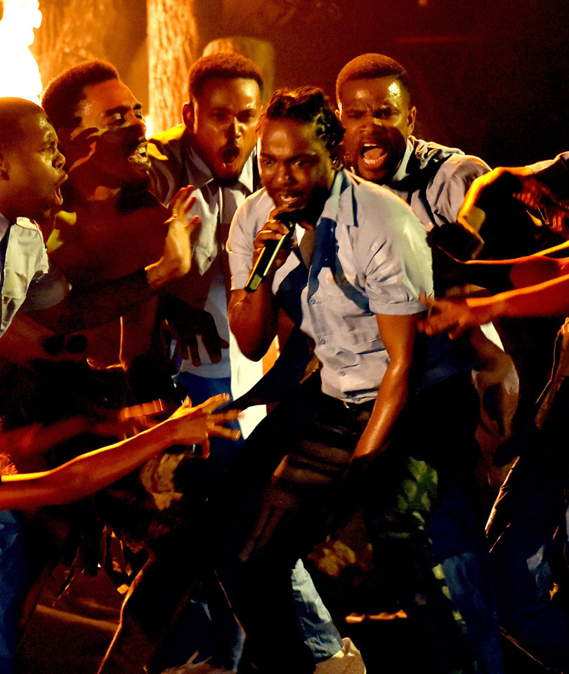 Kendrick Lamar's Powerful Grammy Performance Has Everyone ... Blues Clues Steve Jail