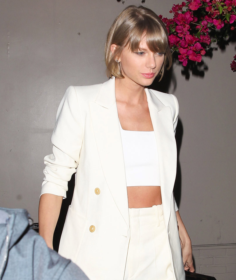 Cadillac Evening News >> Taylor Swift Shows Off Flawless Physique (And Tight Tummy