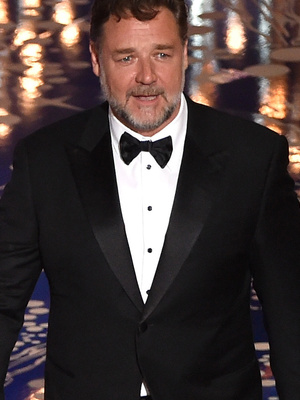 Russell Crowe Reveals He's Lost a Whopping 52 Pounds -- See Before & After Photos!