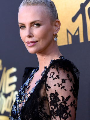 """Charlize Theron Thanks Her """"Own Little Furiosa,"""" Daughter August, During MTV Movie Award Speech"""