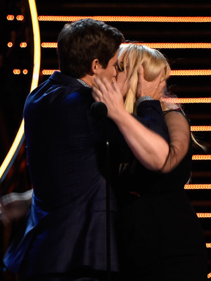 """Rebel Wilson and Adam Devine Have Sloppy Makeout Session After Winning MTV's """"Best Kiss"""" Award"""