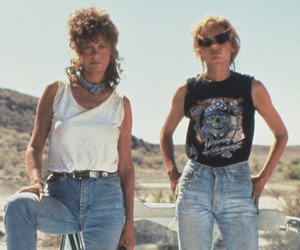 """Thelma & Louise"" Reunite 25 Years Later -- as Susan Sarandon Says Her Character Probably ""Became a Lesbian"""