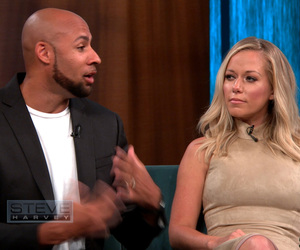 Kendra Wilkinson Reveals She Was Texting an Ex