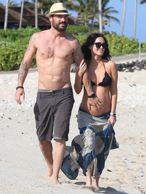 Megan Fox Flaunts Baby Bump In a Bikini While on Vacation In Hawaii With Brian Austin Green!