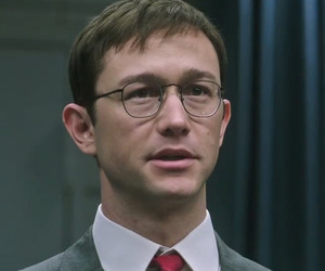 Joseph Gordon-Levitt Transforms Into Edward Snowden In First Trailer for New…