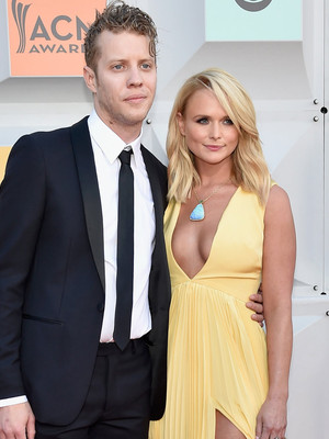"Miranda Lambert and Boyfriend Anderson East Sing ""My Girl"" Together Onstage"