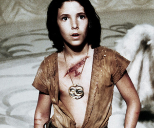"""The NeverEnding Story"" Star Noah Hathaway Talks Set Secrets, Injuries & Fans' Butt Tattoos!"