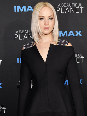 Jennifer Lawrence Opens Up about Dating, Body-Shaming & That Movie She's Writing…