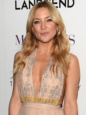 Kate Hudson Rocks Nude Gown -- But Is This Look Fab or Drab?