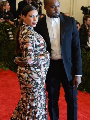 Kim's Couch Dress, SJP's Ridic Headgear -- Relive the Worst Met Gala Looks Ever!
