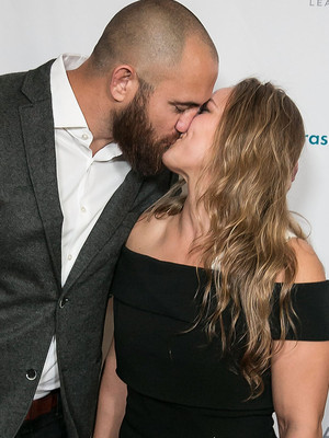 Ronda Rousey Packs on the PDA with Boyfriend & More Hot Hollywood Photos!