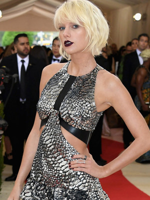 Taylor Swift Goes All Out in Silver Sequins at the 2016 Met Gala -- See All the Red…