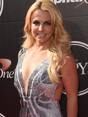 "Britney Spears Pens Sweet Mother's Day Letter For Her Sons: ""You Are My Masterpieces"""