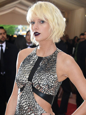 Taylor Swift Goes Full-On Goth at the Met Gala -- See This Week's Best & Worst…