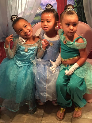 Happiest Place on Earth! North & Penelope Get Princess Makeovers at Disneyland