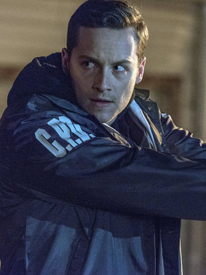 "Jesse Lee Soffer Drops Big Bombshell About ""Chicago P.D."" Finale -- Does Someone REALLY…"