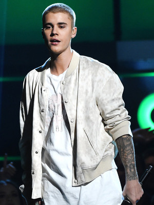 "Justin Bieber Calls Out ""Fake"" and ""Hollow"" Celebs Following 2016 Billboard Music Awards"