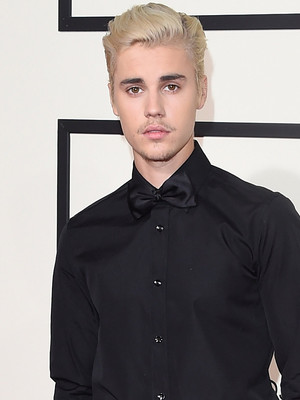 "Feud Over?! Justin Bieber Sings Taylor Swift's ""Teardrops On My Guitar"" In New Instagram…"