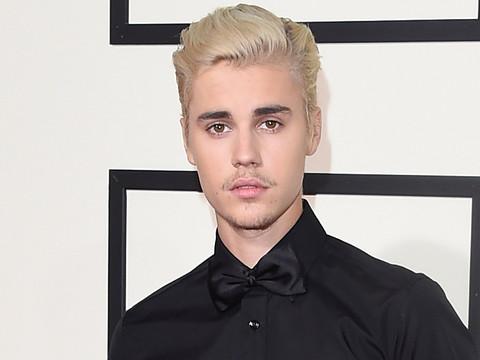 "Feud Over?! Justin Bieber Sings Taylor Swift's ""Teardrops On My Guitar"" In New Instagram Video"