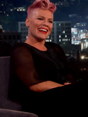 "P!nk Totally Loses Her Cool Meeting ""Crush"" Johnny Depp on ""Jimmy Kimmel"" -- See The…"