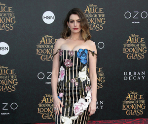 Anne Hathaway's Floral Style -- Fab or Drab?