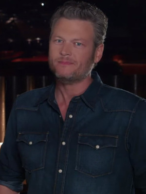 Blake Shelton Tries Sushi For the First Time -- And His Reaction Is Hilarious!