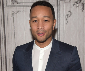 John Legend & Chrissy Tiegen's Baby Girl Luna Meets His Grandmother, Rocks Out To Dad's Music!