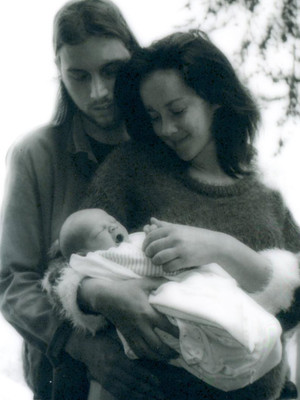 Jena Malone Gives Birth, Shares First Photo with Son Ode Mountain