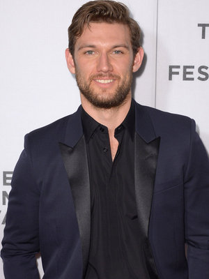 "Alex Pettyfer Still Has His ""Magic Mike"" Moves -- See Him Dance to ""Pony"" On Command!"