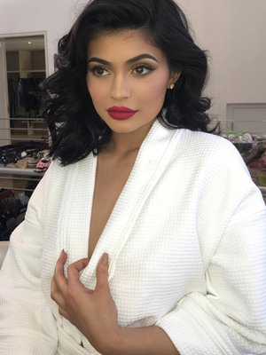 Kylie Jenner Goes Glam In New Selfie -- Feeling This Makeover?