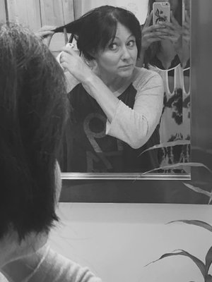 Shannen Doherty Shaves Head Amid Breast Cancer Battle
