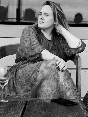 Natural Beauty! Adele Shares Rare Makeup-Free Selfie