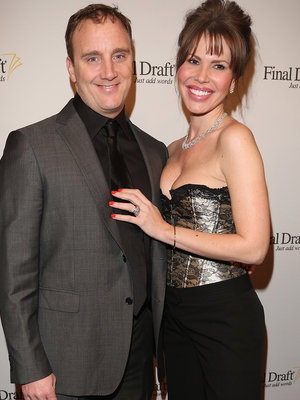 Jay Mohr Posts Nikki Cox Video After Filing For Divorce