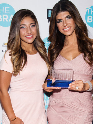Family Fun! Teresa Giudice Hits the Red Carpet with All 4 Daughters