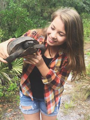 "Bindi Irwin Turns 18, Pens Emotional Post About ""Superhero"" Dad Steve Irwin"