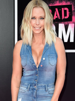 "Kendra Wilkinson Rocks Denim Jumpsuit at ""Bad Moms"" Premiere"