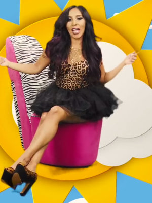 Snooki's First Music Video Is All Kinds of Ridiculous